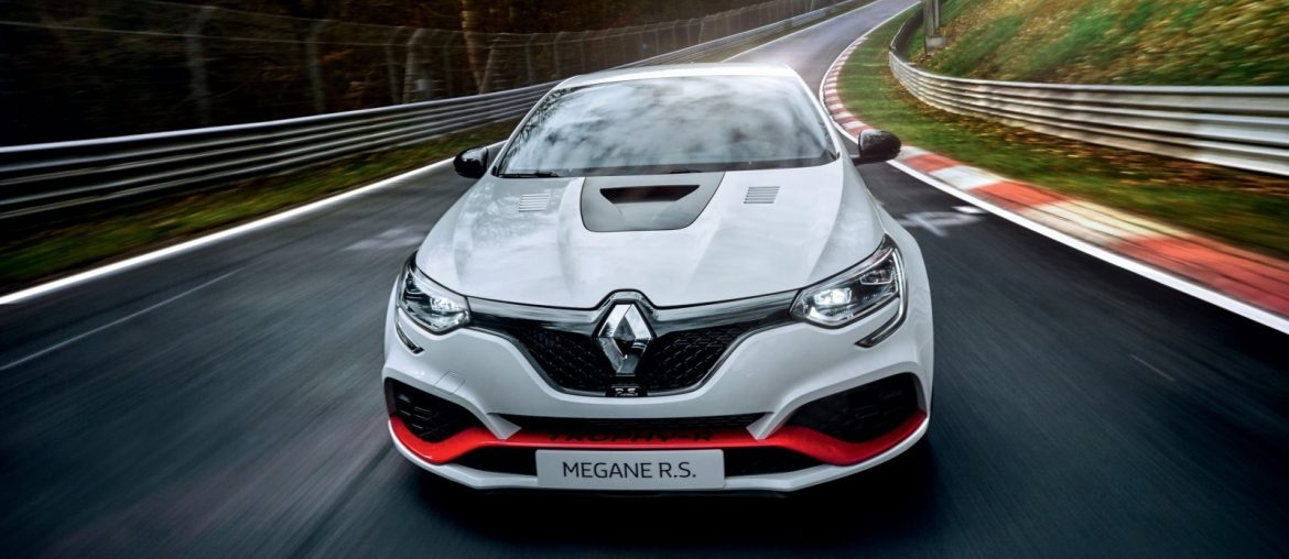 New MEGANE R.S TROPHY-R: new record for the best-performing model ever marketed by Renault
